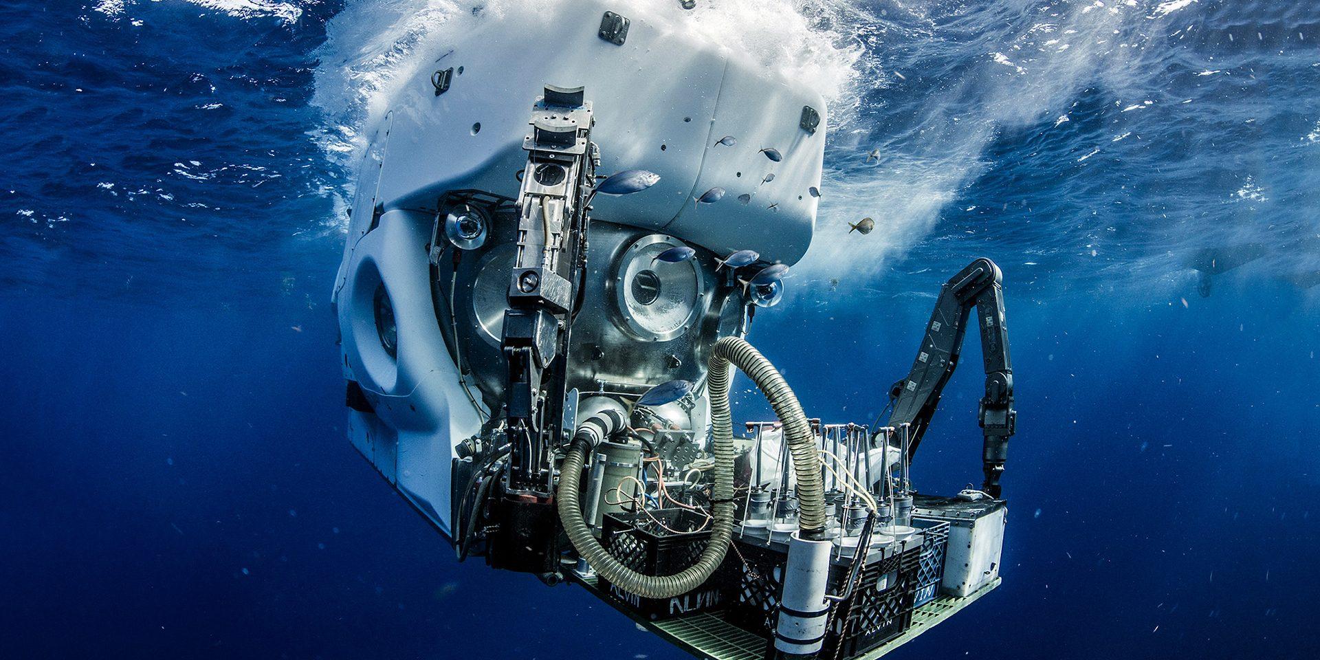 Alvin_underwater